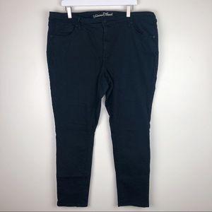 Universal Thread | Black Skinny Jeans Size 20W